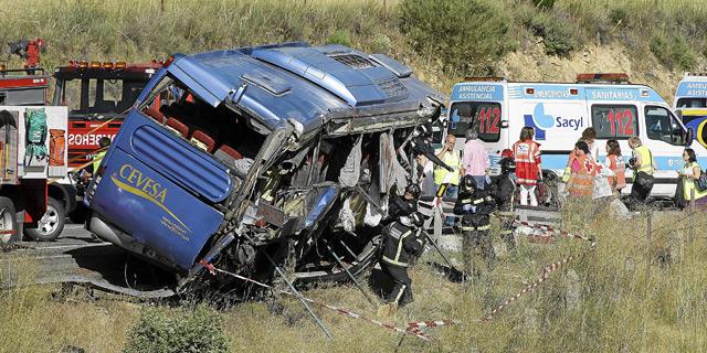 Consecuencias del insomnio: 9 fallecidos en accidente de autocar (Ávila)